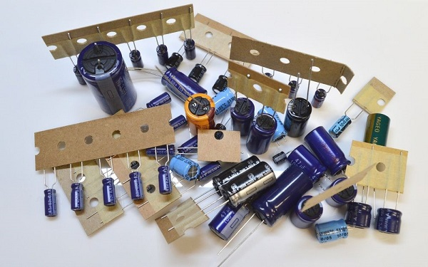 Bargain Assorted Component Pack (SPE21S)